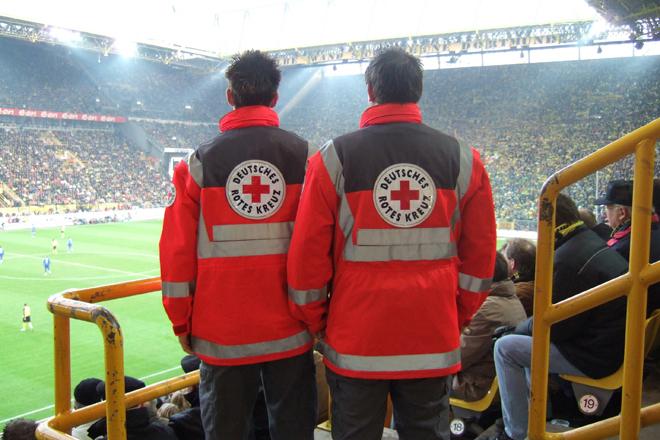 Einsatzstelle, Rettungssanitäter, Stadion, Fußballspiel, WM 2006